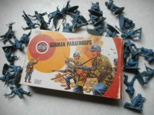 Old pack of airfix soldiers
